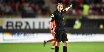Fransa Ligue 1'de kadın hakem dönemi