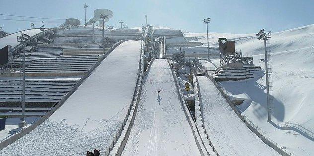 Kayakla Atlama Türkiye Şampiyonası Erzurum'da gerçekleşti