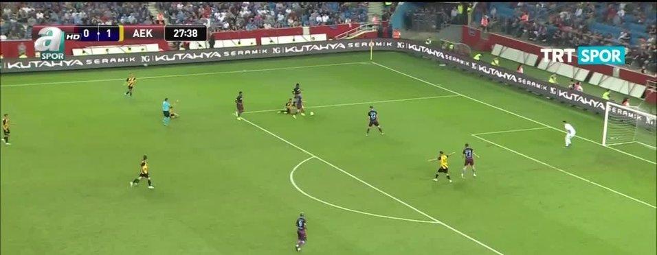 """""""Abdülkadir Ömür Messi'ye çok benziyor"""""""