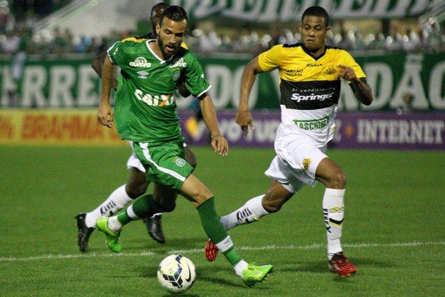 Fenerbahçe Chapecoense'den Leandro Pereira'nın peşinde!
