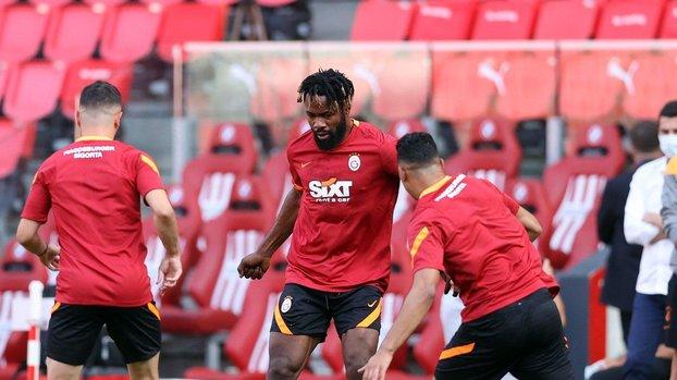 Son dakika spor haberleri: Galatasaray PSV maçına hazır! Falcao ve Feghouli...