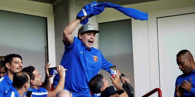 Maradona Hollanda'yı salladı