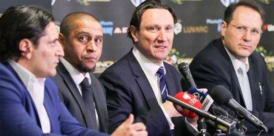 Roberto Carlos Avustralya'ya