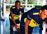 Fenerbahçe idmanında çok konuşulan fotoğraf! Olaylı derbi sonrası Jailson ve Rodrigues...