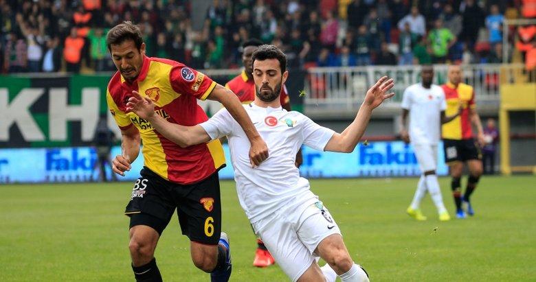 Göztepe - Akhisar maçından kareler...