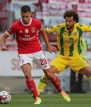 Benfica otobüsüne taşlı saldırı! Yıldız isim yaralandı