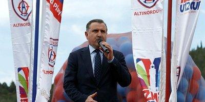 Bakan Osman Aşkın Bak Emre Kutalmış Ateşli'yi kutladı