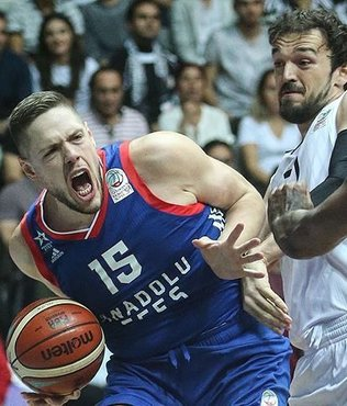 Besiktas beat Anadolu Efes 67-64