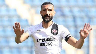 Son dakika haberi: Yalçın Ayhan futbol kariyerini noktaladı