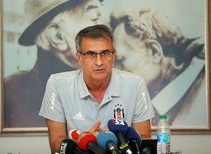 Beşiktaş'ın transfer rotası belli oldu! Vida, Quaresma ve...