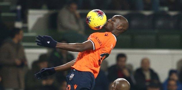Demba Ba eski takımına gol attı sevinmedi