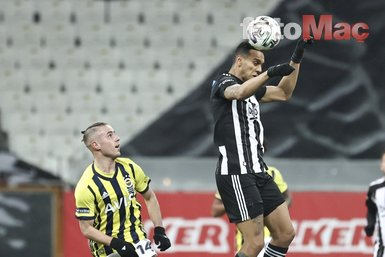 Bu anlar kameralara yansımadı! Beşiktaş Fenerbahçe derbisinde Gökhan Gönül ve Caner Erkin...