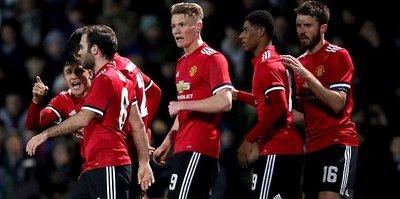 Manchester United farklı kazandı