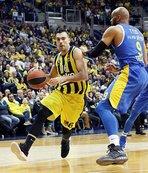 Fenerbahçe Beko normal sezona galibiyetle nokta koydu