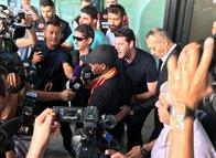 Galatasaray'ın yeni transferi Jean Michael Seri'ye coşkulu karşılama