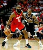 NBA maçında ilginç an! Babasını soyunma odasına göndertti