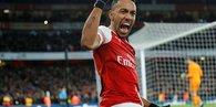 Arsenal evinde Manchester United'a karşı kazandı