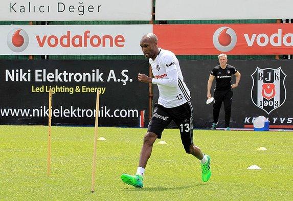 Beşiktaş'ın efsanesi gözden mi düştü?