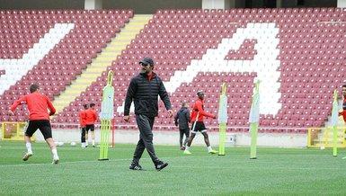 Hatayspor yeni stadyumunda yaptığı antrenmanla çalışmalarını sürdürdü