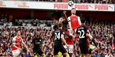 Arsenal ve City puanları paylaştı