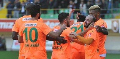 Alanyaspor, Bursa'yı 'Love'sız devirdi!