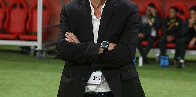 Fenerbahçe'nin istediği teknik direktör resmen imzaladı! - Futbol -