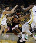 Warriors seride avantajı yakaladı