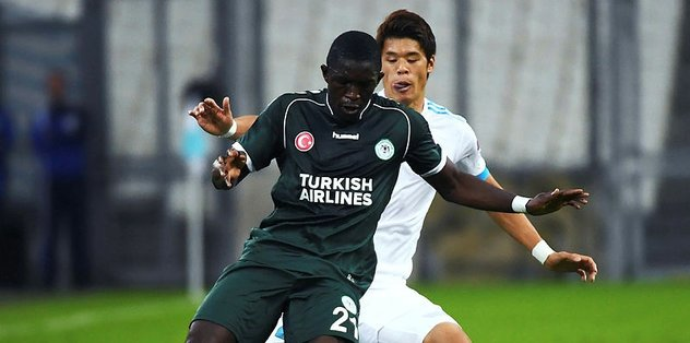 Konyaspor, Fransa'da direğe takıldı