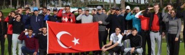 Milli golfçülerden asker selamı