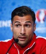 G.Saray'ın eski yıldızı futbolu bıraktı