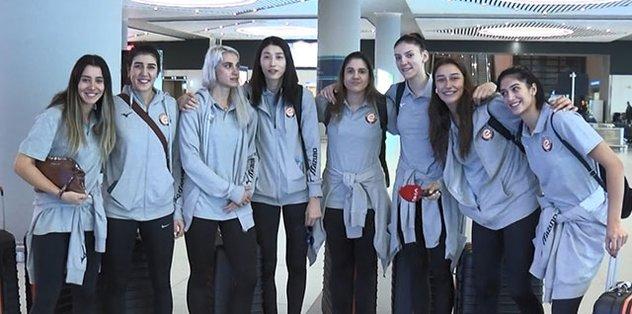 Şampiyon Eczacıbaşı VitrA İstanbul'a geldi