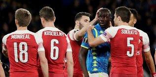 Arsenal yarı finalde