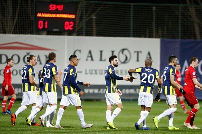 Fenerbahçe'de kamp raporu! Yanal yıldız ismi sildi