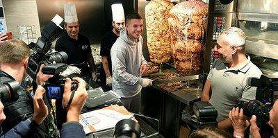Galatasaraylı eski futbolcu Lukas Podolski dönerci açtı