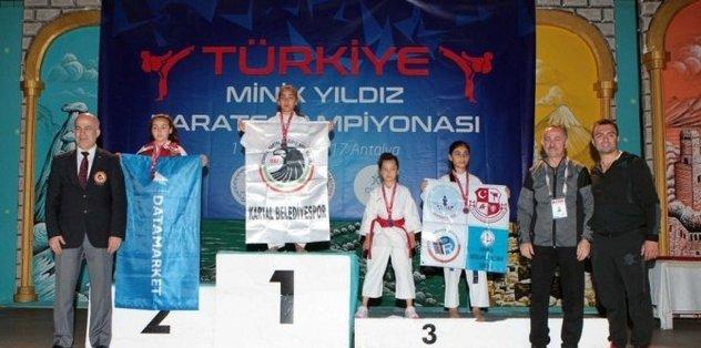 Armina Erkan'dan 2 altın madalya