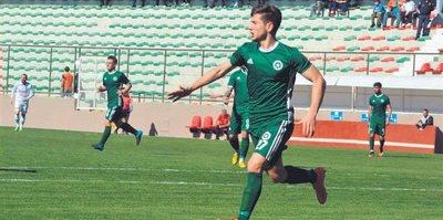 Melih Okutan 4 golle yıldızlaştı
