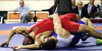 Serbest Grekoromen Türkiye Şampiyonası başladı