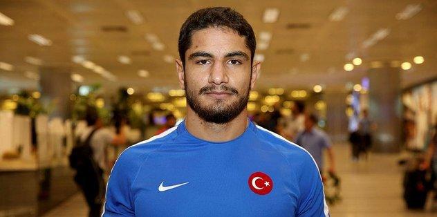 Milli güreşçi Taha Akgül Ankara'da