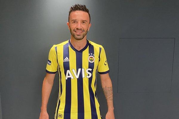 iste fenerbahcenin yeni sezon formalari 1596732979970 - İşte Fenerbahçe'nin yeni sezon formaları!