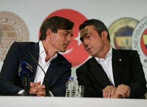 """Ali Koç'tan Phillip Cocu'ya şok ifadeler! """"Eğer gidersen..."""""""