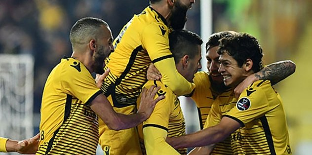 Yeni Malatyaspor'da Guilherme veriyor Aleksic atıyor
