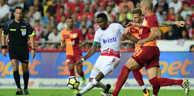 Antalyaspor - Galatasaray maçında tartışmalı kararlar