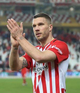 Lukas Podolski: Galatasaray sonuna kadar mücadeleyi bırakmayacaktır