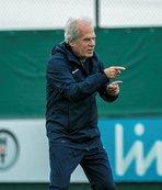 """Mustafa Denizli: """"Akhisarspor maçının önemini biliyoruz"""""""