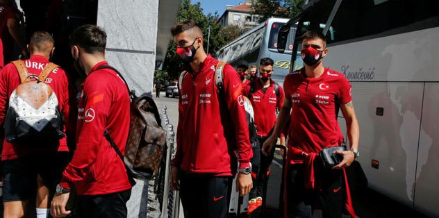Türkiye A Milli Futbol Takımı kafilesi Belgrad'da - Futbol -