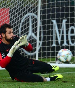 Galatasaray'ın transfer gözdesi Serkan Kırıntılı şehri terk etti!
