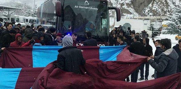 Trabzonspor'a Gümüşhane'de coşkulu karşılama