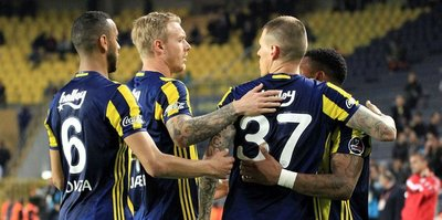 Fenerbahçe Akhisar'ı 3'ledi
