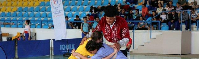 Kuşak Güreşi Gençler Türkiye Şampiyonası başladı