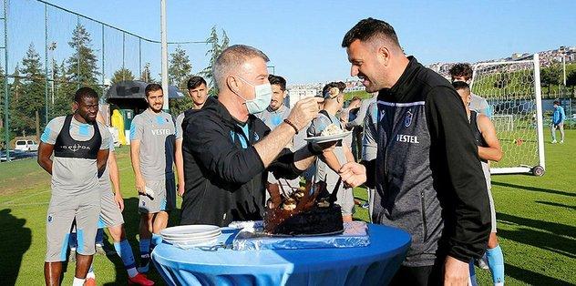 Hüseyin Çimşir'e sürpriz doğum günü! - Futbol -
